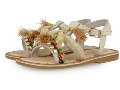 sandalia abalorios en blanco